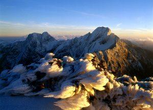 台湾(Taiwan)の最高峰「玉山」は標高3,952m